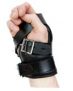 leather_suspension_hand_wrist_cuffs_with_locking_buckles_19-1